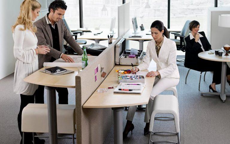 Kancelářský nábytek na práci vestoje