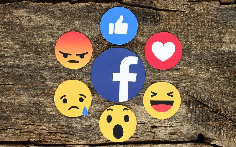 Emoji ikonky na Facebooku