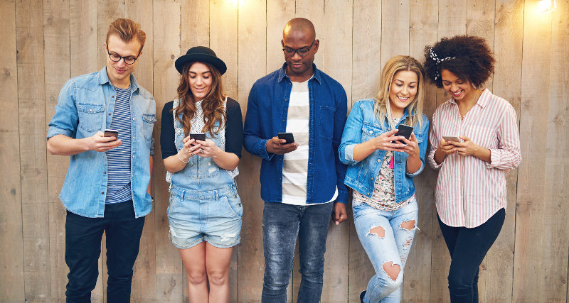 Mileniáni se smartphony