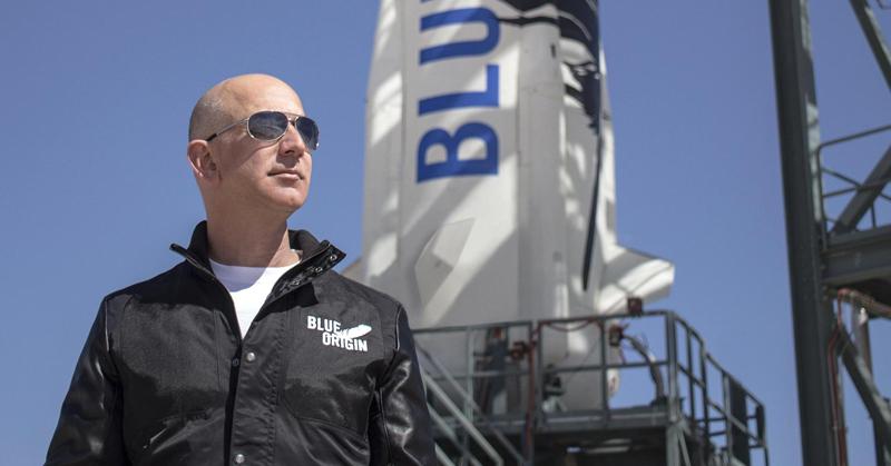Jeff Bezos chce kolonizovat měsíc